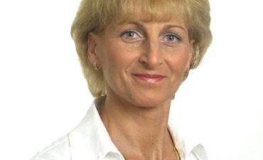Dr. Jófejű Etelka